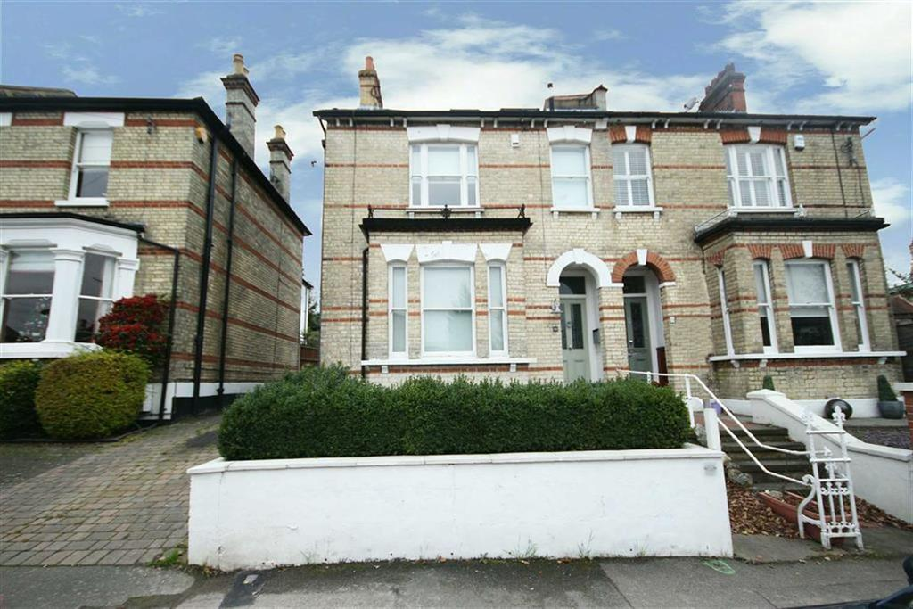 4 Bedrooms House for sale in Woodville Road, New Barnet, Hertfordshire