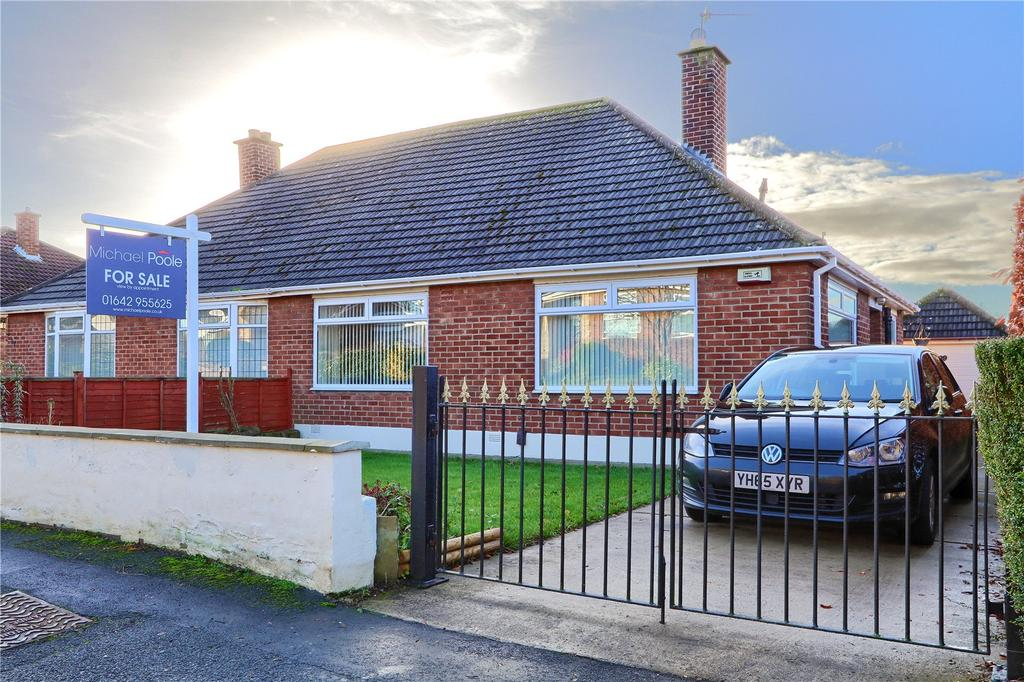 2 Bedrooms Semi Detached Bungalow for sale in The Crescent, Nunthorpe