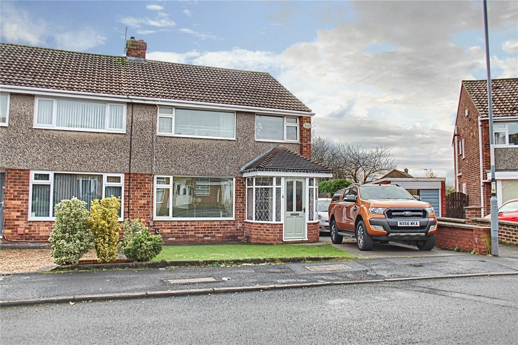 3 Bedrooms Semi Detached House for sale in Lingfield Drive, Eaglescliffe