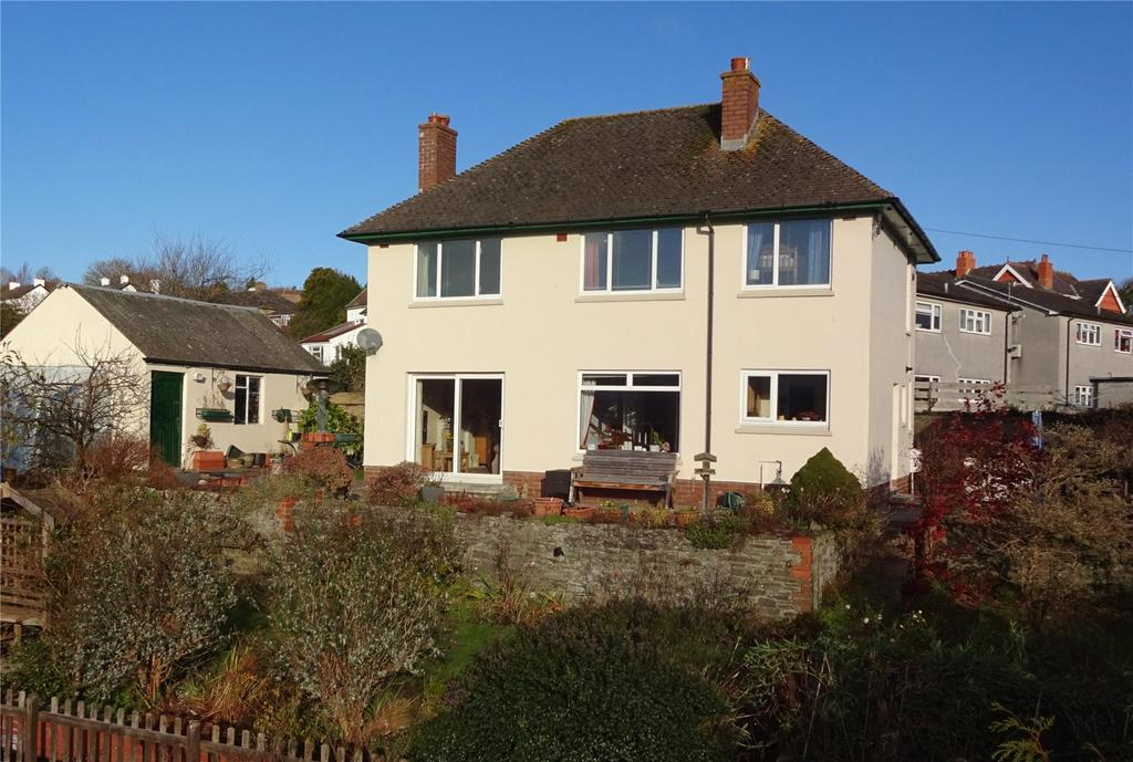 3 Bedrooms Detached House for sale in The Avenue, Brecon, Powys