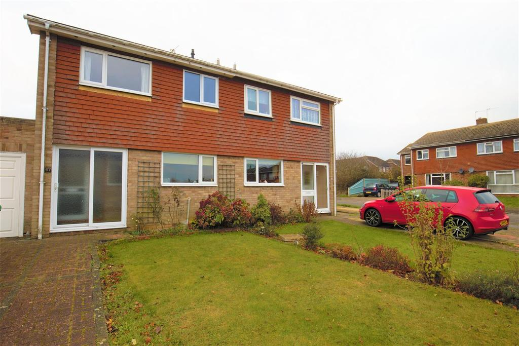 3 Bedrooms Semi Detached House for sale in Hanover Road, Coxheath, Maidstone