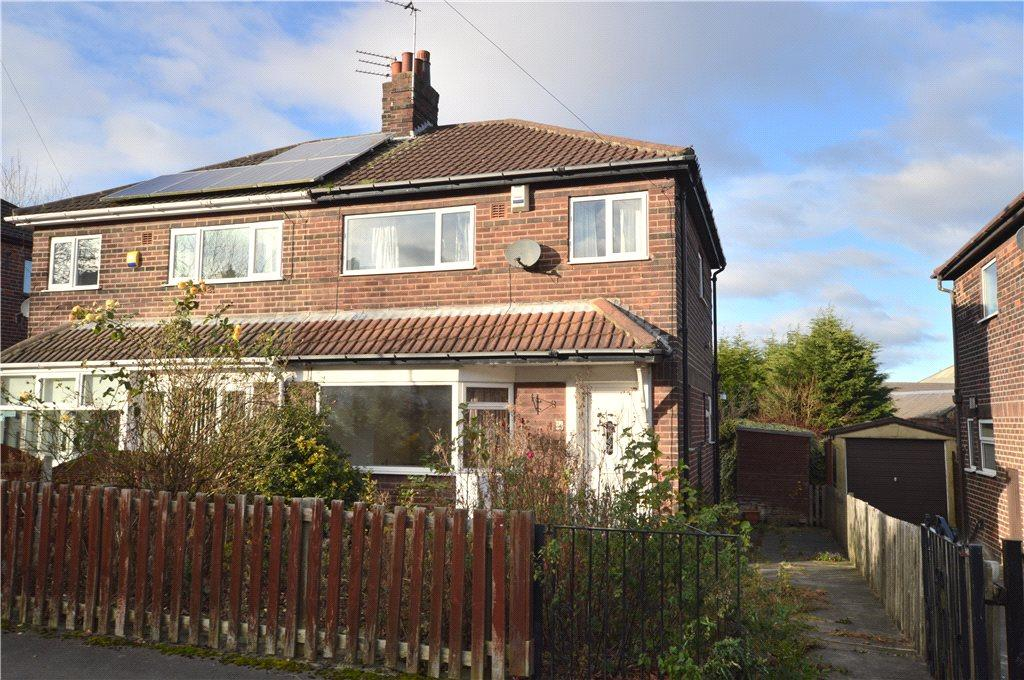 3 Bedrooms Semi Detached House for sale in Wellington Grove, Pudsey, West Yorkshire