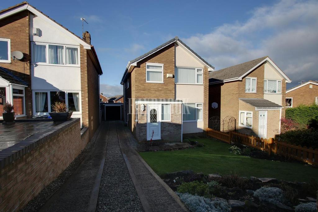 4 Bedrooms Detached House for sale in St Mary Crescent, Deepcar