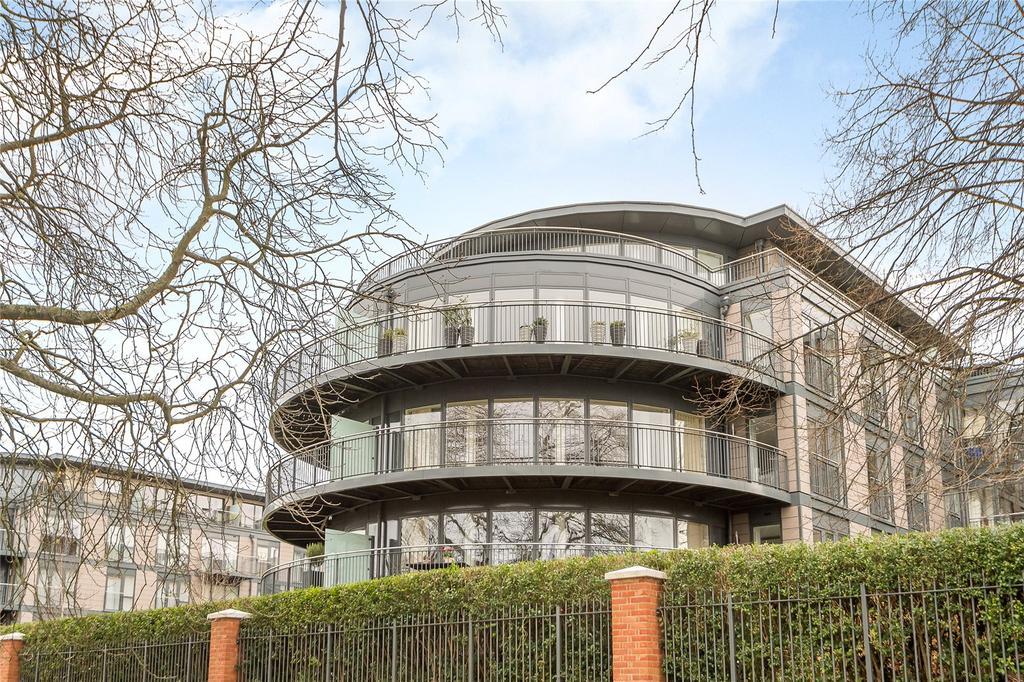 3 Bedrooms Flat for sale in Darwin House, Kingsley Walk, Cambridge