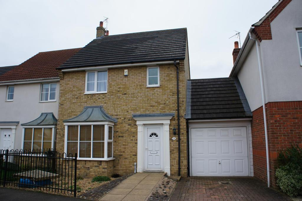 3 Bedrooms Terraced House for sale in Watson Way, Marston Moretaine