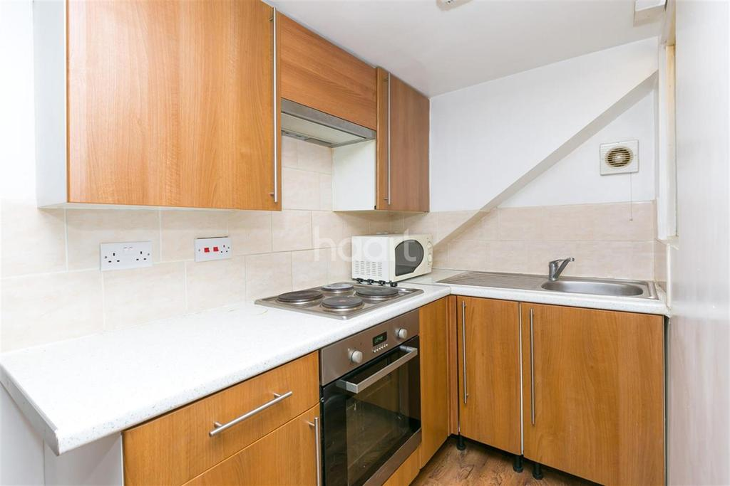Studio Flat for rent in Sipson Road, West Drayton UB7 9