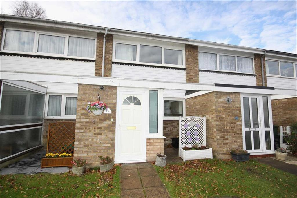 2 Bedrooms Terraced House for sale in Place Farm Avenue, Crofton
