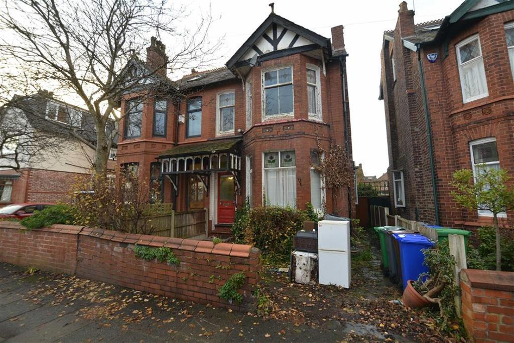 4 Bedrooms Semi Detached House for sale in Dartmouth Road, CHORLTON, Manchester