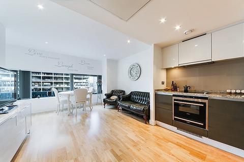 Studio to rent - Landmark East Tower, Marsh Wall, Nr Canary Wharf, London, E14