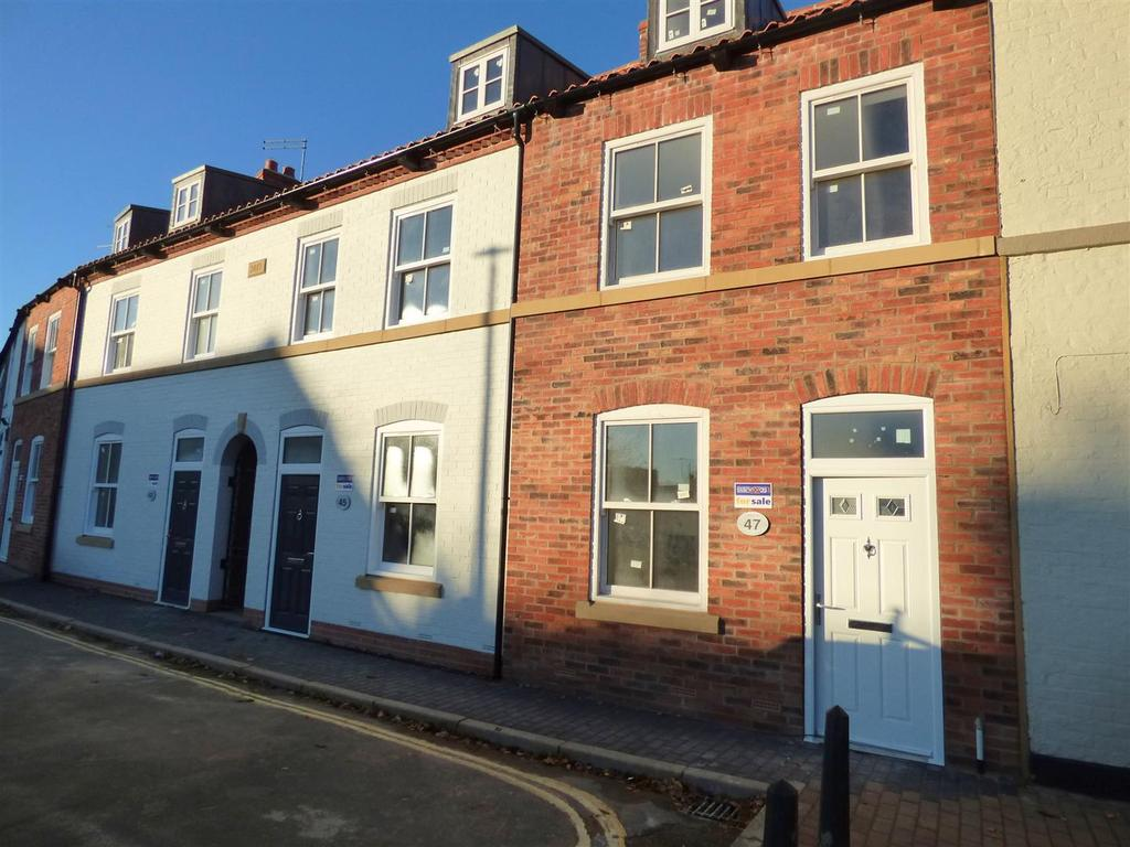 2 Bedrooms Town House for sale in Plot 4, 47 Trinity Lane, Beverley, HU17 0DY