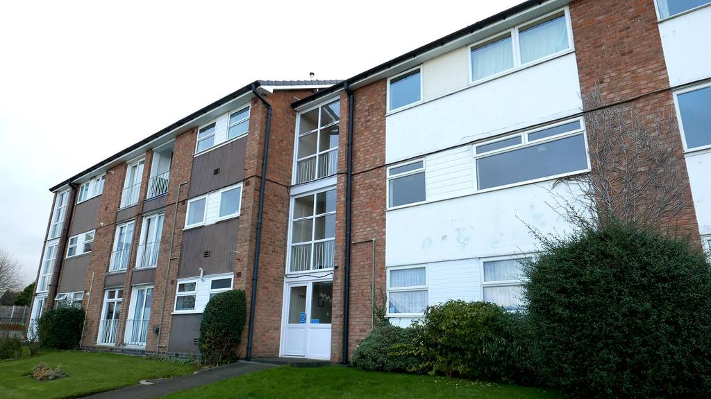 2 Bedrooms Apartment Flat for sale in St Pauls Crescent, Coleshill, West Midlands, B46