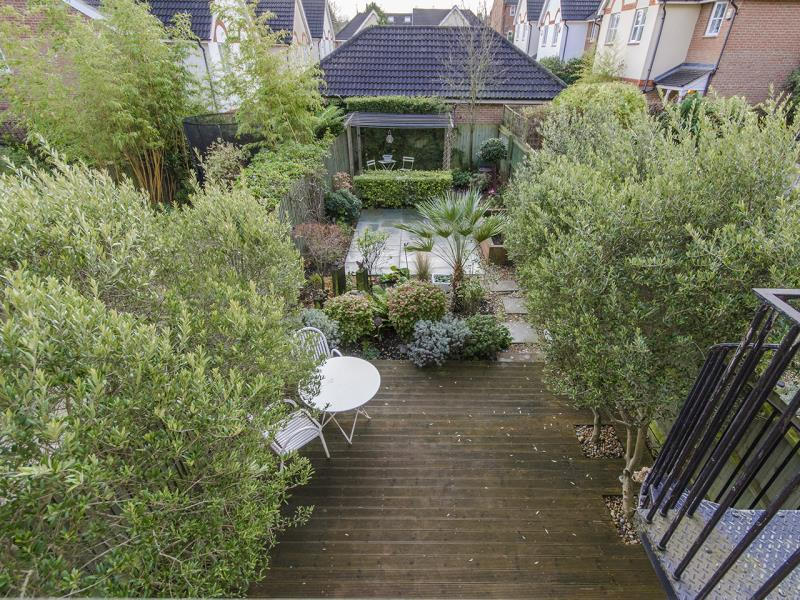 4 Bedrooms Terraced House for sale in Osier Crescent, N10