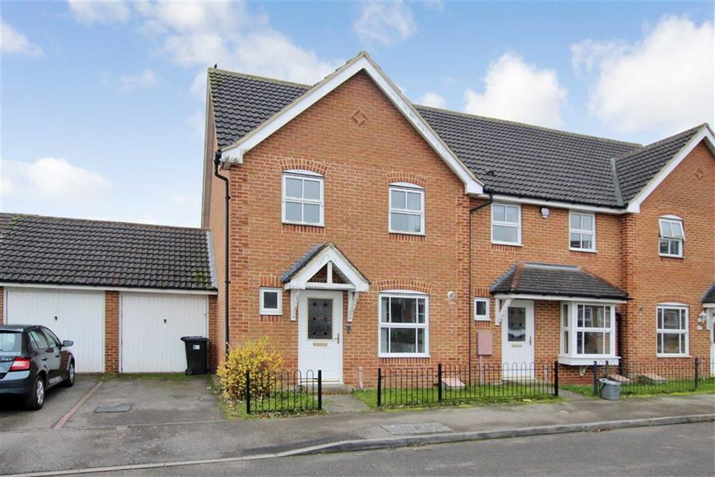 3 Bedrooms End Of Terrace House for sale in 27, Heron Drive, Brackley