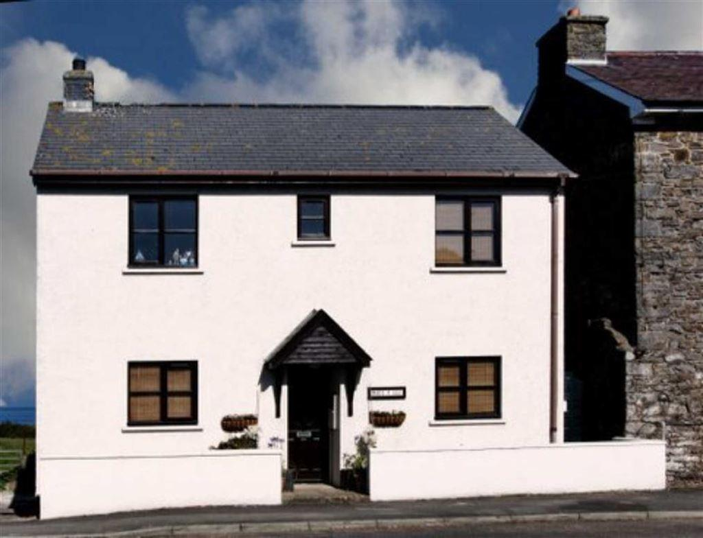 3 Bedrooms Detached House for sale in Bridge Street, Llanon, Ceredigion