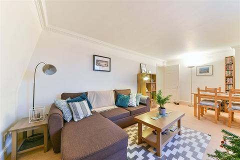 1 bedroom flat to rent - The Shrubbery, 2 Lavender Gardens, London, SW11