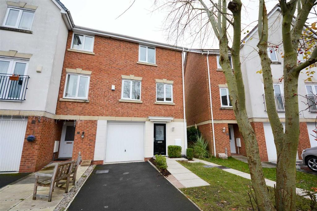 3 Bedrooms Mews House for sale in Pickley Court, Leigh, WN7
