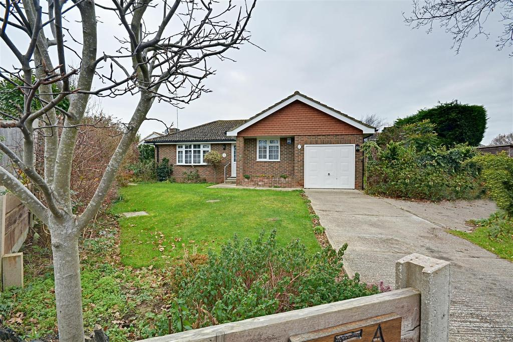 2 Bedrooms Detached Bungalow for sale in Cranston Close, Bexhill-On-Sea
