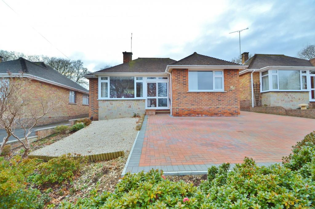 2 Bedrooms Bungalow for sale in Peverells Wood