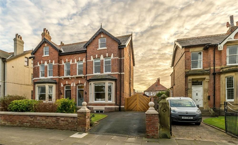 5 Bedrooms Semi Detached House for sale in Cambridge Road, Lytham, Lancashire