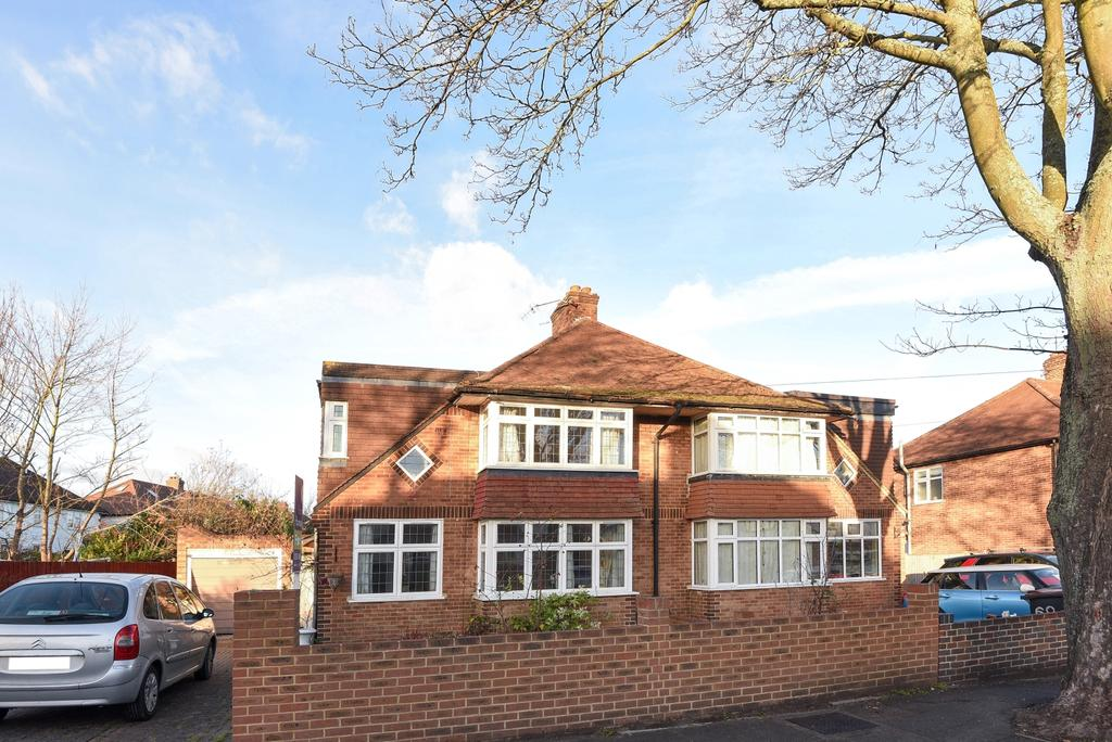 4 Bedrooms Semi Detached House for sale in Chatham Avenue Hayes BR2