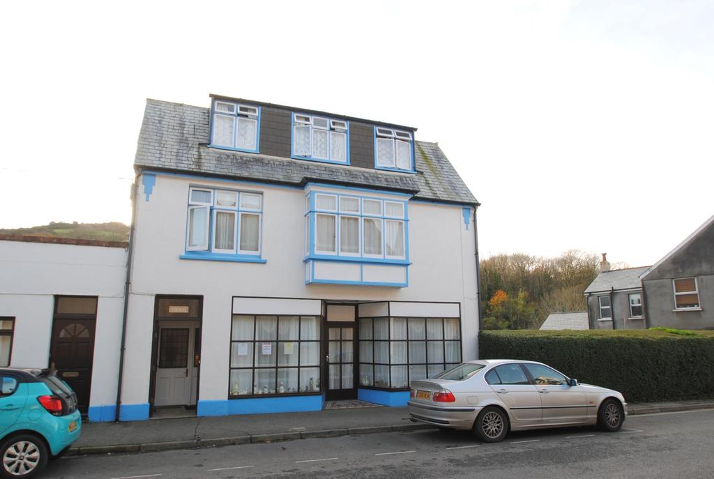 8 Bedrooms Semi Detached House for sale in High Street, Combe Martin