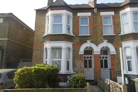 2 bedroom ground floor flat to rent - Pattenden Road, Catford, London, SE6 4NH