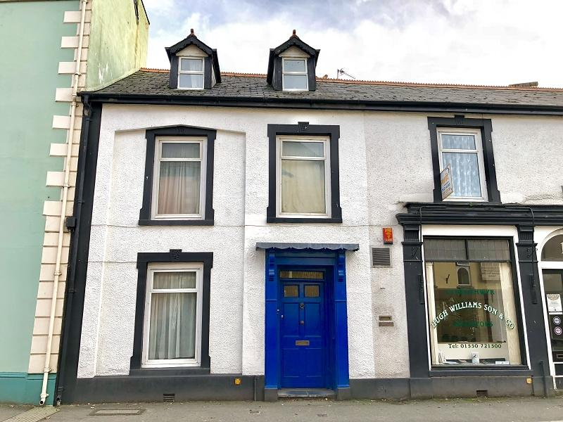 4 Bedrooms Terraced House for sale in High Street, Llandovery, Carmarthenshire.
