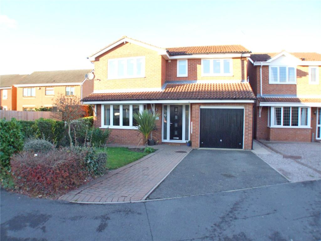 4 Bedrooms Detached House for sale in Chatsworth Close, Market Deeping, Peterborough, PE6