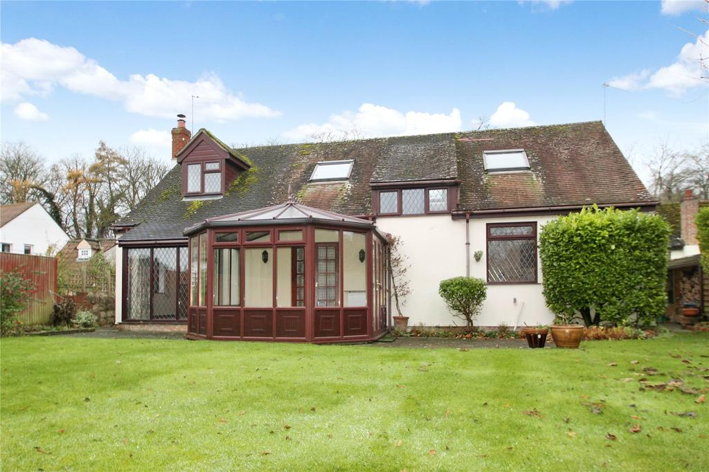 3 Bedrooms Detached Bungalow for sale in Thame Road, Long Crendon, Aylesbury, HP18