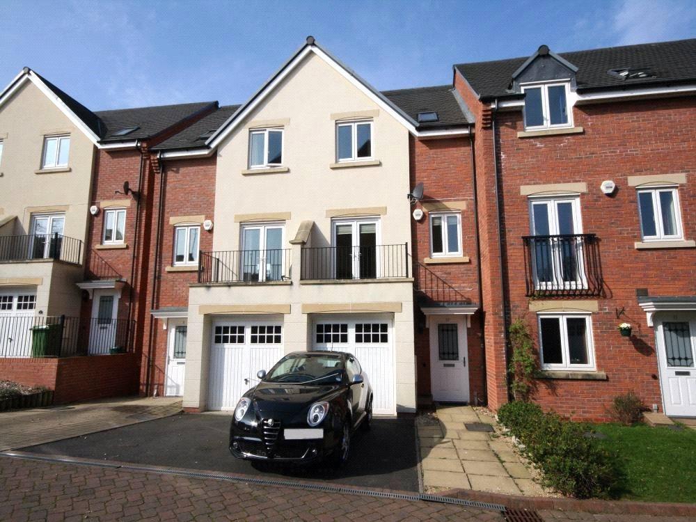 3 Bedrooms Town House for sale in St Michaels Close, Charlton Kings, Cheltenham, GL53