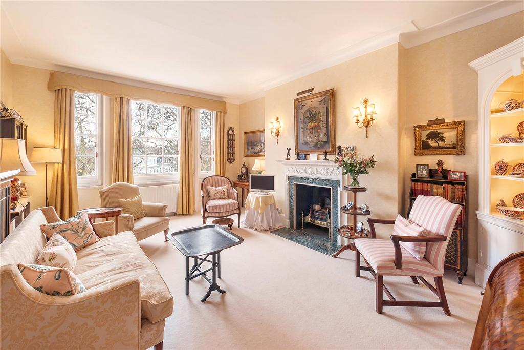 3 Bedrooms Maisonette Flat for sale in Egerton Place, Knightsbridge, London, SW3