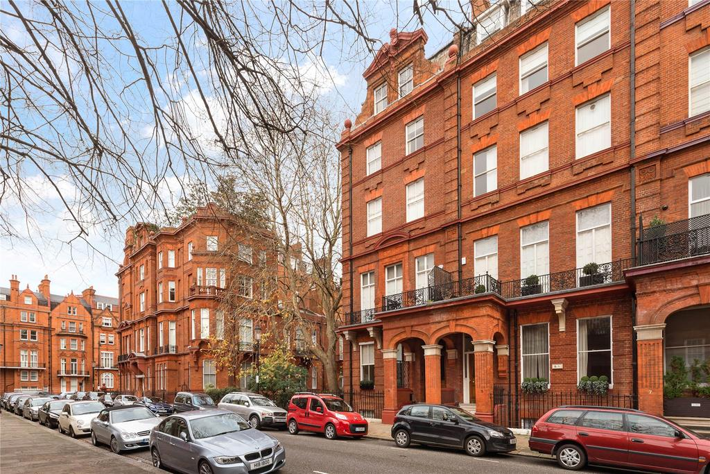 2 Bedrooms Flat for sale in Cadogan Square, Knightsbridge, London, SW1X