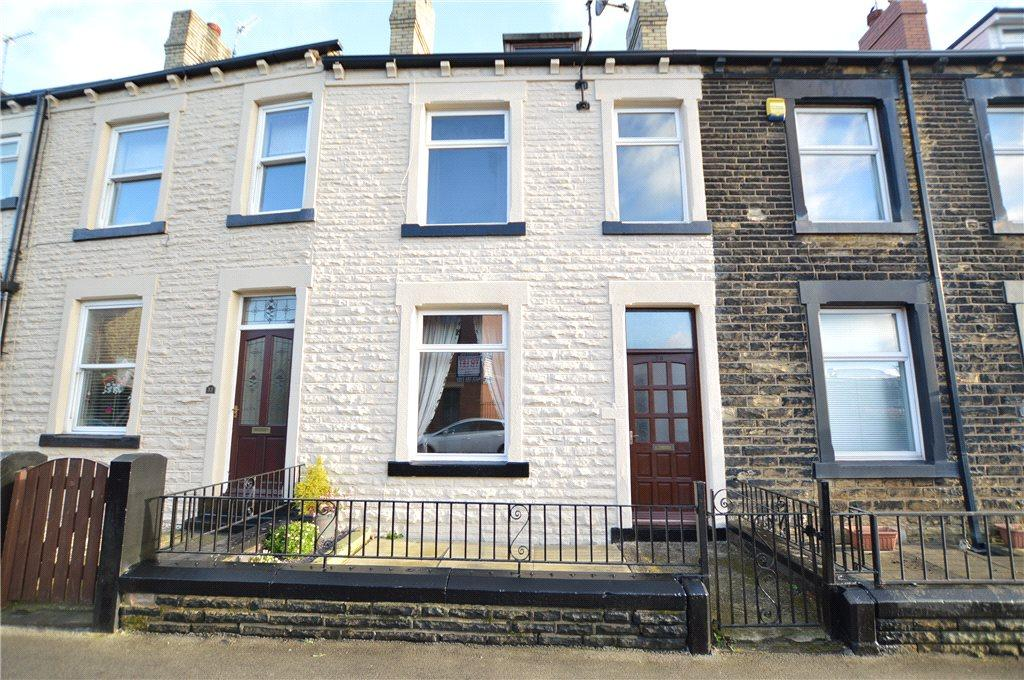 3 Bedrooms Terraced House for sale in Church Street, Morley, Leeds