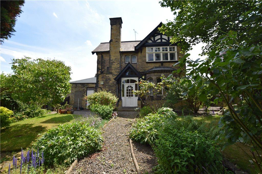 2 Bedrooms Semi Detached House for sale in St. Anns Lane, Leeds, West Yorkshire