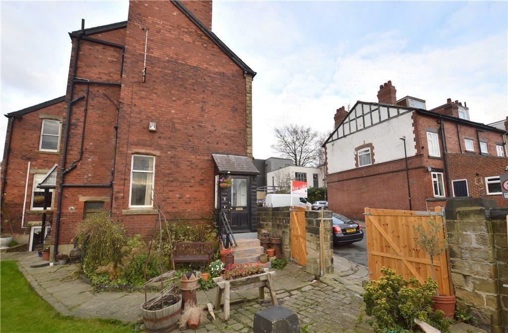 1 Bedroom Semi Detached House for sale in Hawthorn Road, Chapel Allerton, Leeds