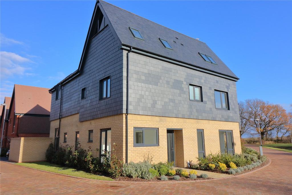 5 Bedrooms Detached House for sale in Aqua Verde, Channels Drive, Chelmsford, Essex, CM3