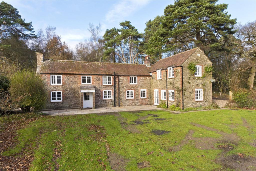 4 Bedrooms Detached House for rent in Foley Estate, Liphook, Hampshire, GU30
