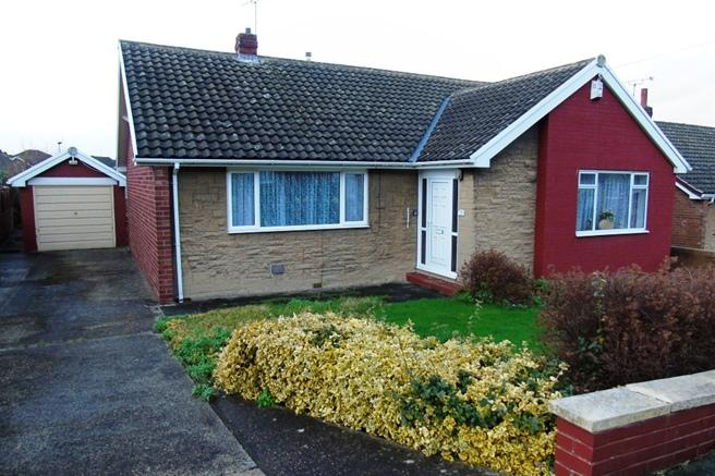3 Bedrooms Bungalow for sale in 23 Osprey Avenue, Birdwell, Barnsley, S70 5SH