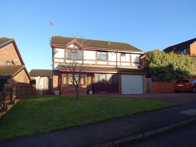 4 Bedrooms Detached House for sale in Rhuddlan Way, Kidderminster DY10 1YH