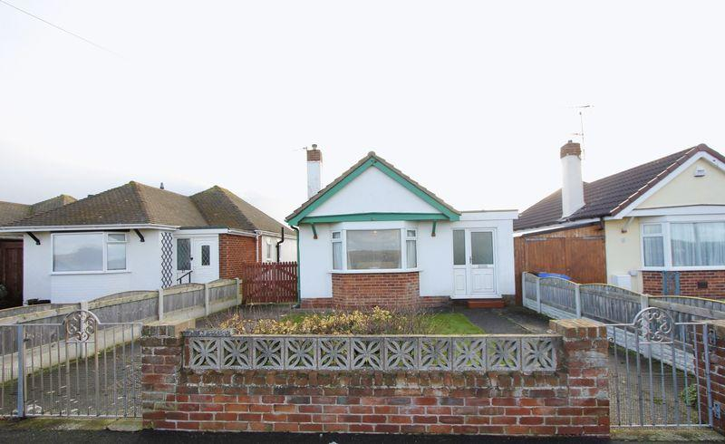 2 Bedrooms Detached Bungalow for sale in Green Lanes, Prestatyn