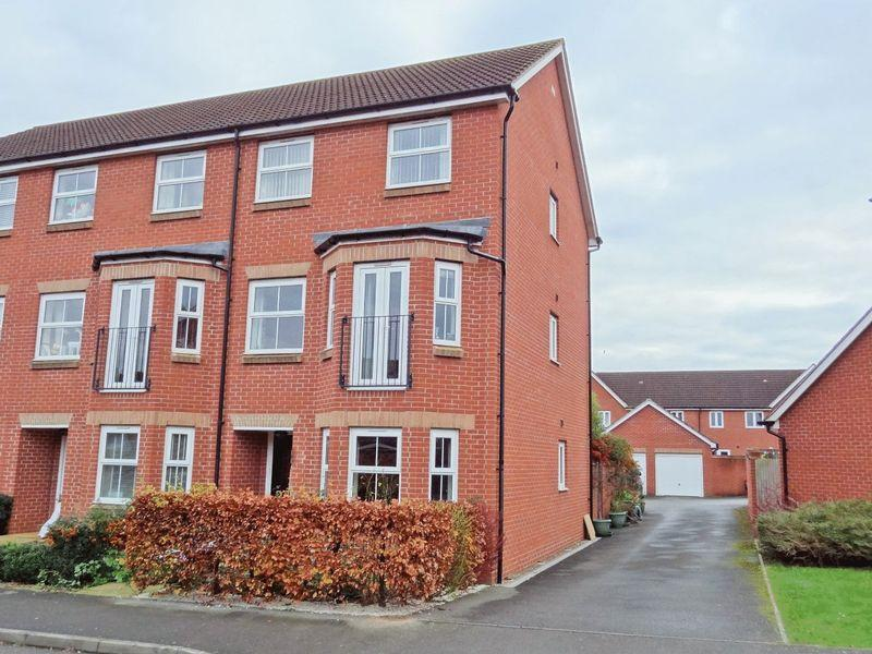 4 Bedrooms End Of Terrace House for sale in Charolais Drive, Bridgwater