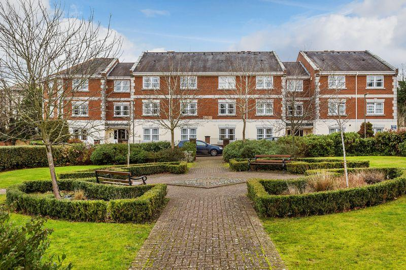 1 Bedroom Apartment Flat for sale in St Lukes Square, Guildford