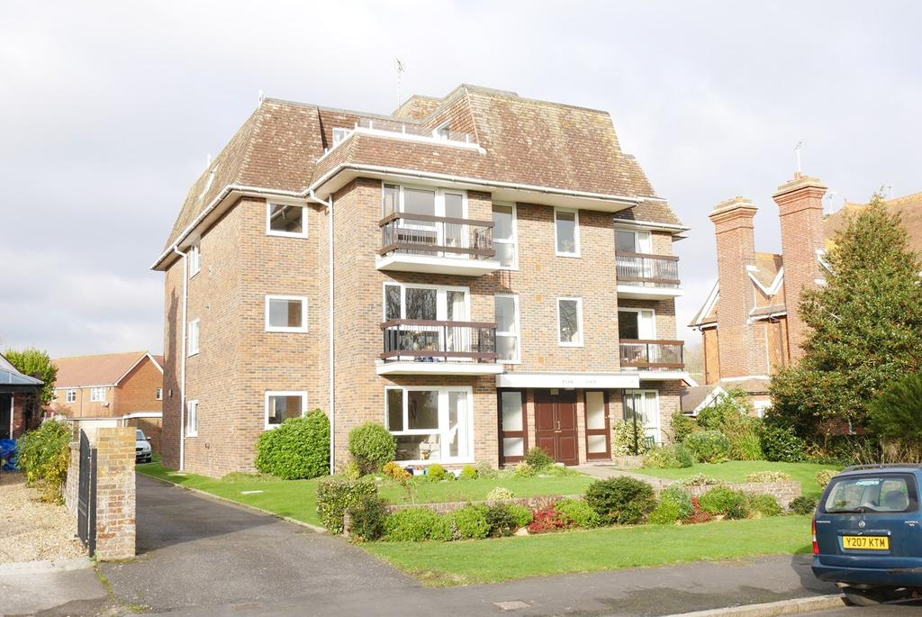 3 Bedrooms Apartment Flat for sale in 6 Park Avenue, Eastbourne, BN22
