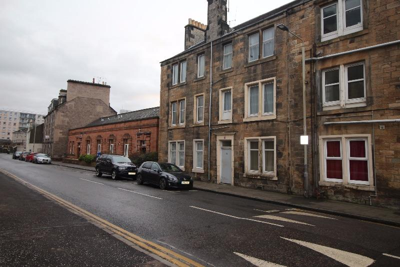 2 Bedrooms Flat for rent in Alexandra Street, Perth, Perth and Kinross, PH2 8EU