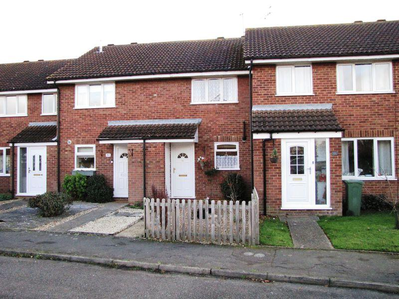 2 Bedrooms Terraced House for sale in Petersham Close, Newport Pagnell