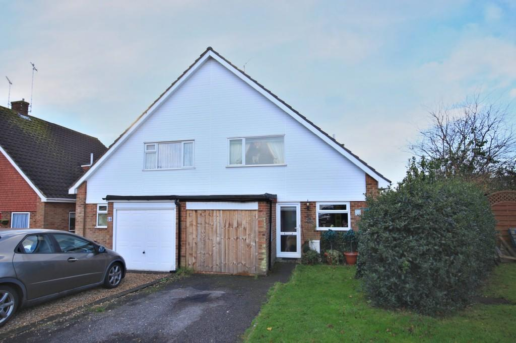 3 Bedrooms Semi Detached House for sale in Carolina Way, Tiptree, CO5 0DW