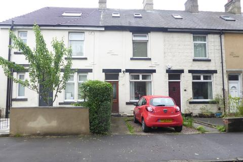 4 bedroom terraced house to rent - Woodlands Grove, Stanningley