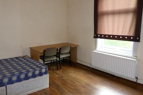 3 bedroom apartment to rent - Pershore Road,Selly Park,Birmingham,West Midlands