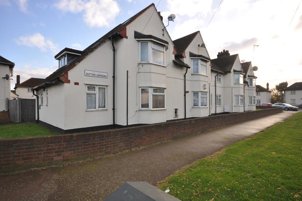 1 Bedroom Apartment Flat for sale in Sutton Gardens, Barking