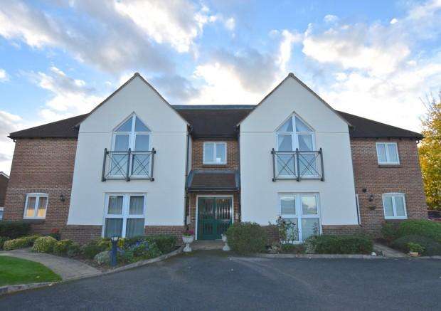 2 Bedrooms Apartment Flat for sale in Clarendon Mews, Parkers Lane, Ashtead, KT21